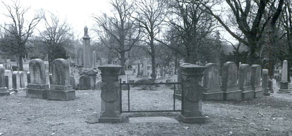 """""""Green-Wood Cemetery"""" Is a Fascinating Look at the Beauty and History Buried Beneath Brooklyn"""