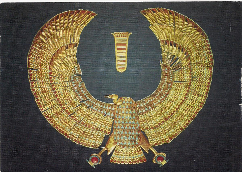 """""""The Complete Tutankhamun,"""" a Must-Own Coffee Table Book for Egyptologists"""