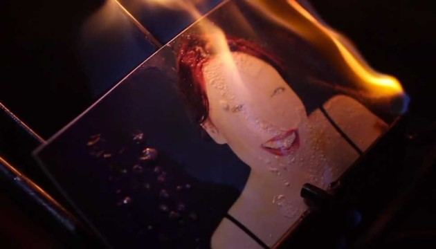Watch 4,000 Stop Motion Photos in Victoria+Jean's